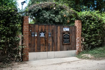 Minca Casa Maracuya main door
