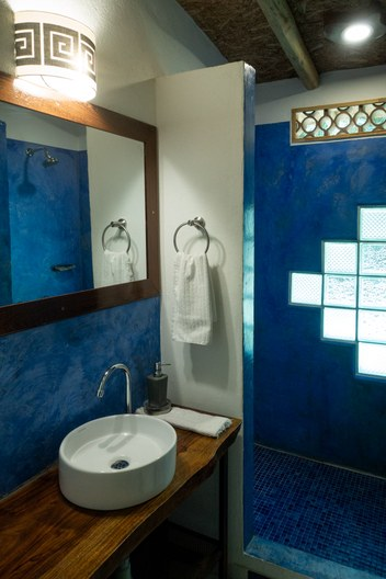 Minca Finca Hostal Bolivar Colibri bathroom