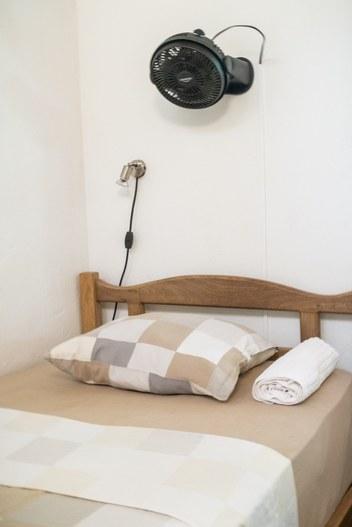 Minca Fina Hostal Bolivar Casa Maracuya single dorm bed with ventilator